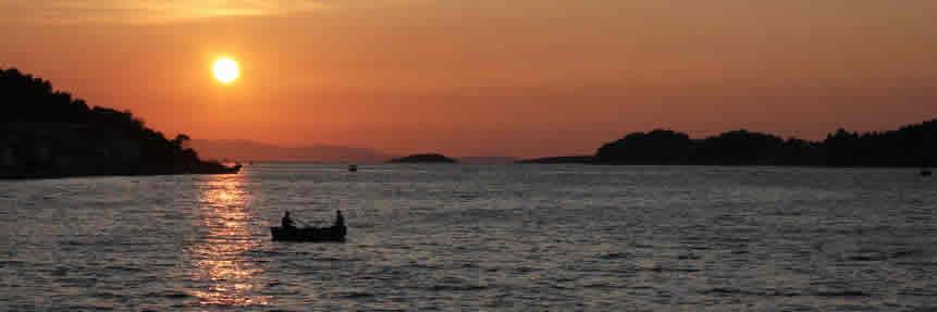 Slider5 Vela Luka bei Sonnenuntergang